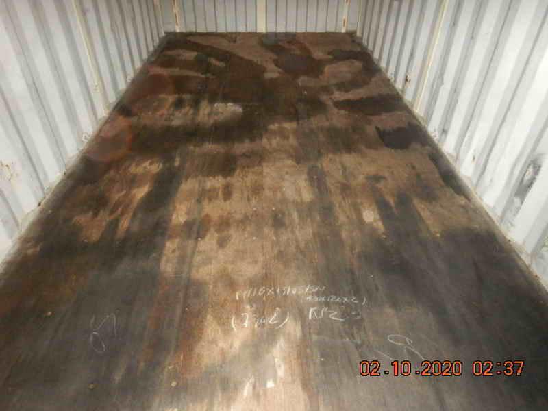 Sàn container dính dầu